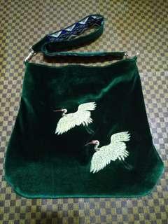 暖暖絲絨布感 日本 中國風 金色刺繡 吉祥雙對仙鶴 民族民俗波西米亞圖騰雙面提帶 肩側背包