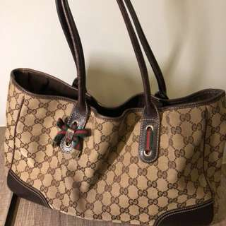 Gucci authentic tote bag shoulder
