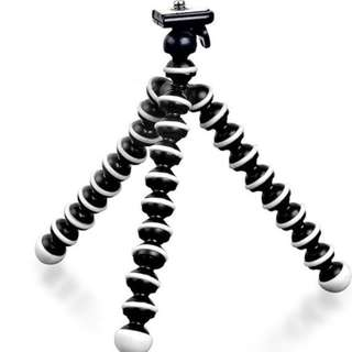 Octopus Tripod (M size) - FREE phone holder!