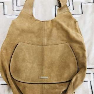 Classic Bag By United Colors is Benetton
