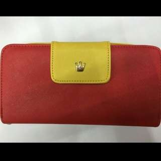 On hand crown long wallet