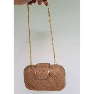 Accessorize small clutch (straw material)