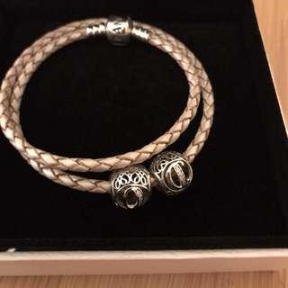 Pandora 皮革手繩連兩粒珠飾
