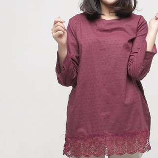 Giyomi lacy maroon blouse