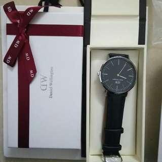 正品 DW手錶  僅一個
