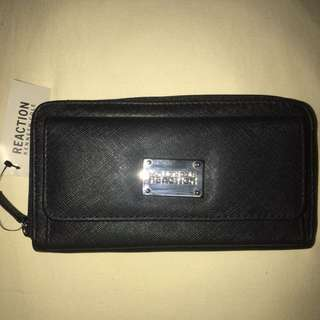 Authentic KENNETH COLE REACTION wallet