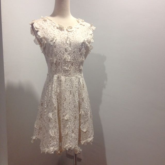 3D flower white dress