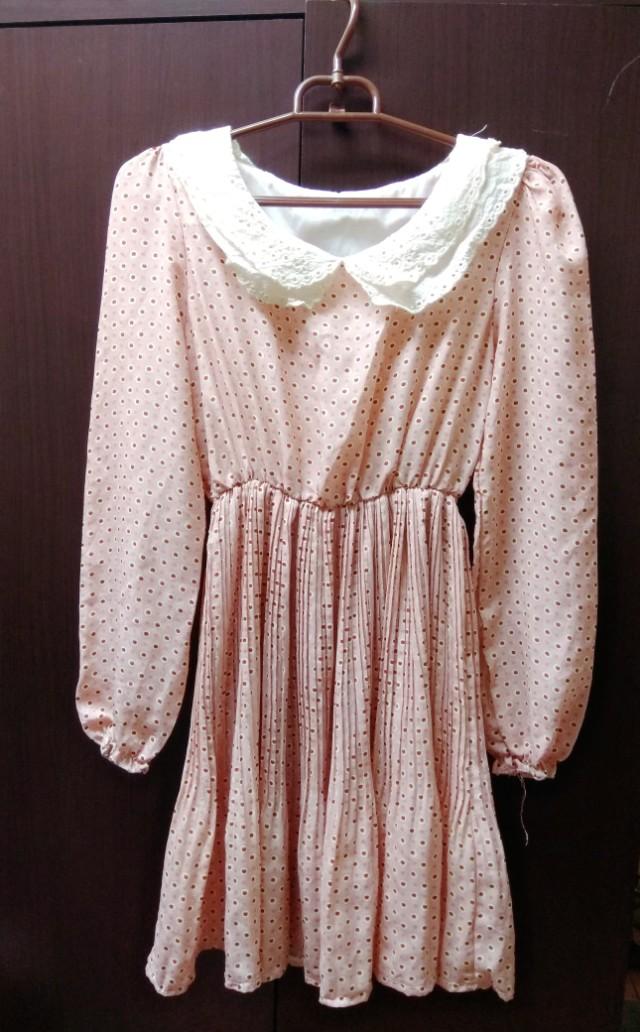 復古點點粉色洋裝