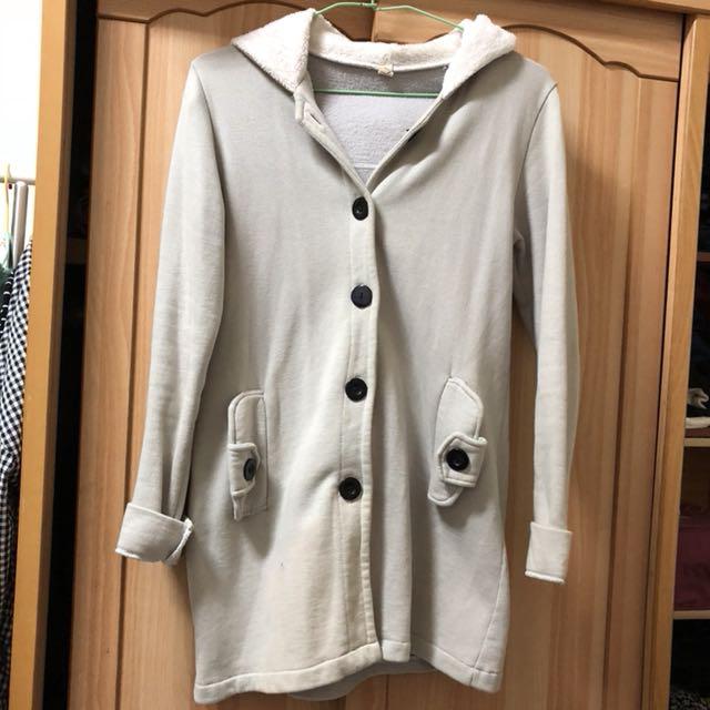 小資女孩👧淺灰鋪棉連帽長版保暖外套#冬季衣櫃出清