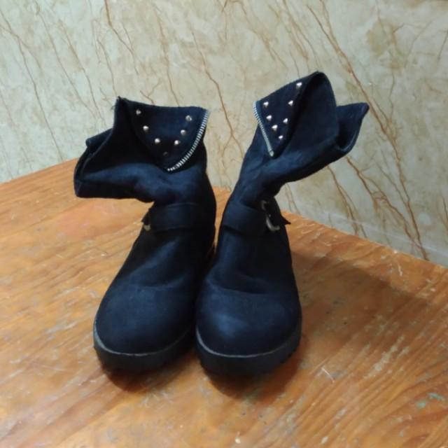 韓版 黑色雞皮帥氣 短靴 23.5