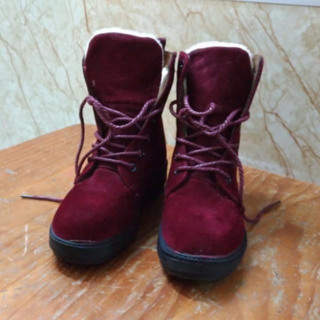 韓版 紅色絨毛帥氣 短靴 37