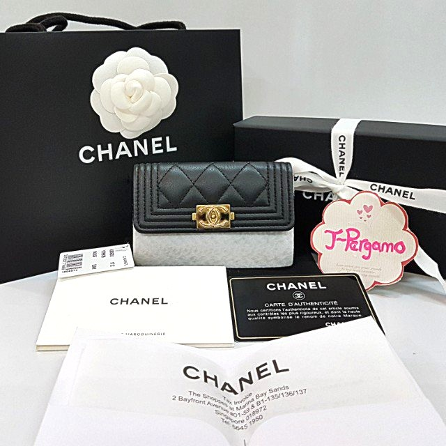 d6f8dc5e670f Authentic LNIB Chanel Boy Quilted Calf Leather Card Holder GHW ...