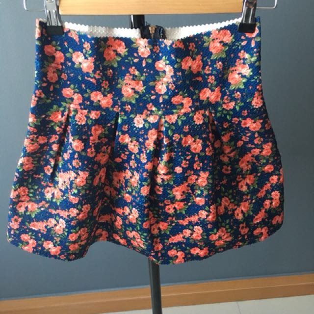Bandage floral mini skirt