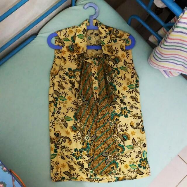 Batik Kemeja Tanpa Lengan