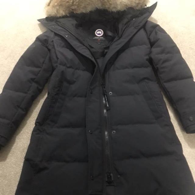 Canada Goose Shelburne Parka - like brand new condition
