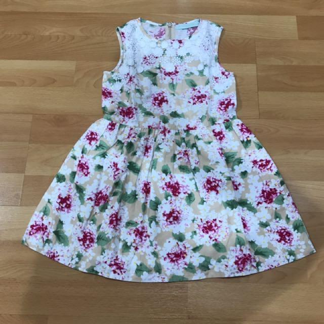 Dress flower renda