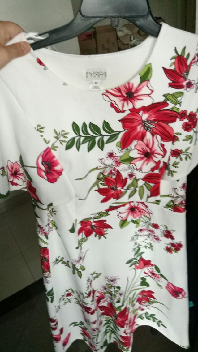 Dress motif kembang😍