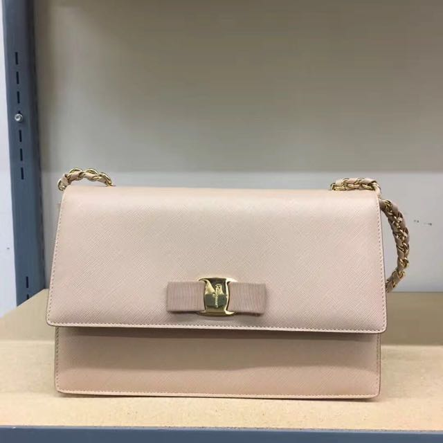 Farragamo Vera chain shoulder bag designer handbag light pink brand new authenticated