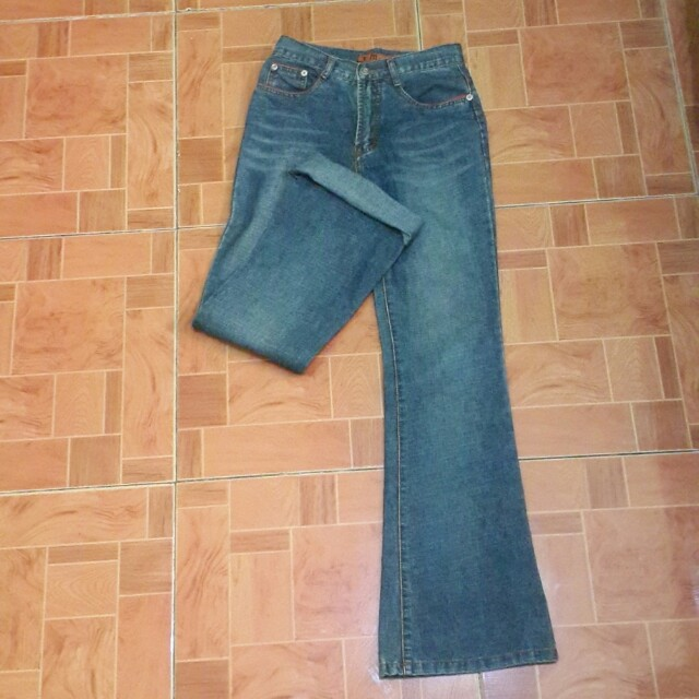 FLARE MOM JEANS DARK WASHED