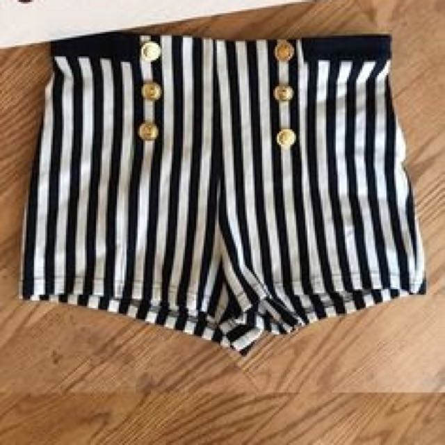 forever21 f21 stripes with gold button shorts