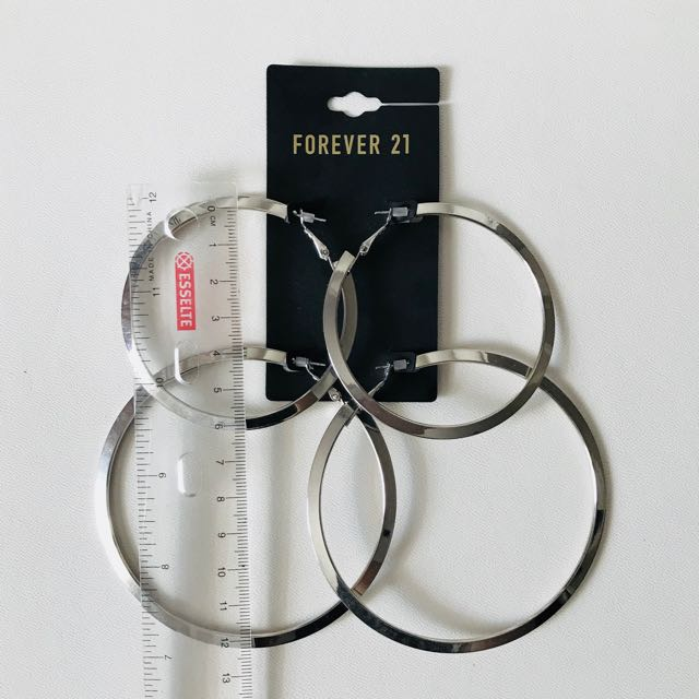 Forever 21 Earrings Set