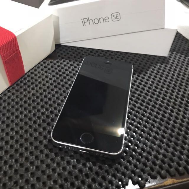經典iPhone SE 太空灰 64G 官網購入 不議價