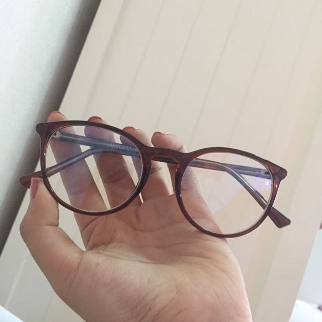 Kacamata Aksesoris