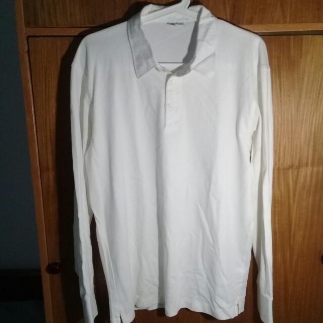 Kaos Putih Uniqlo U