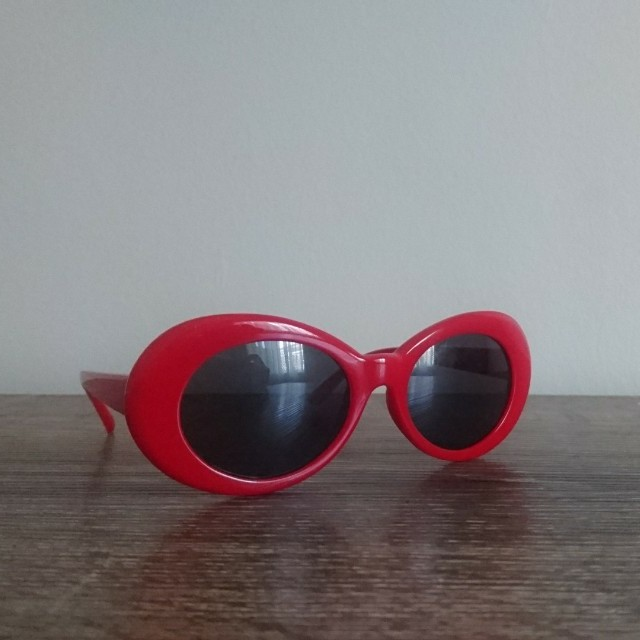 Kurt Cobain style Red Sunnies