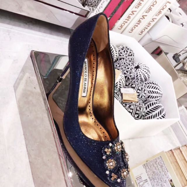 Manolo blahnik authenticated size 37 special edition