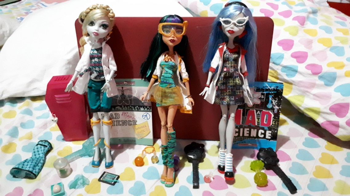 332430d993bb Monster High Mad Science Dolls Lagoona
