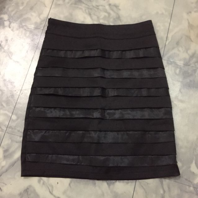 Nafnaf Black Skirt