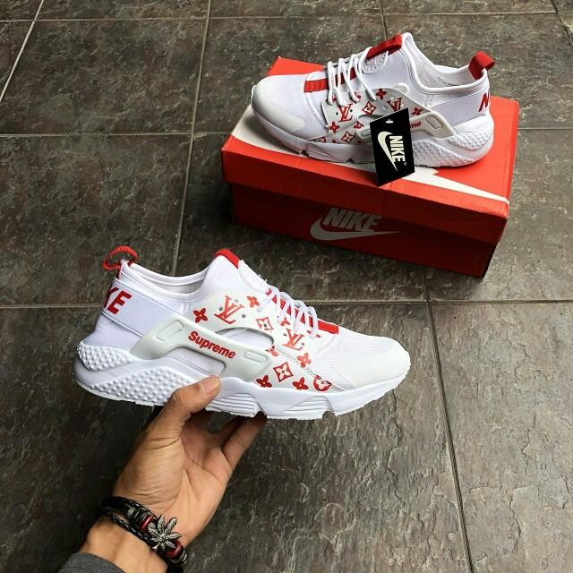 online store c785e 00180 Nike Air Huarache LV Supreme