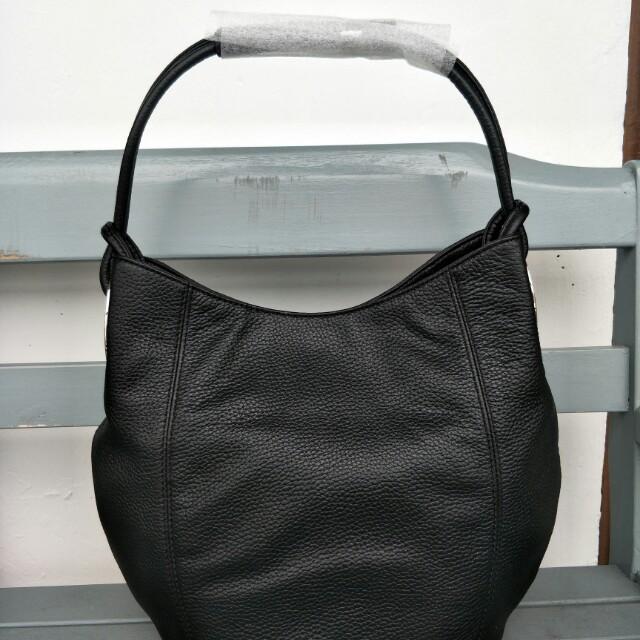 Oroton kiera b small hobo, Women s Fashion, Bags   Wallets on Carousell 6027f0fe98