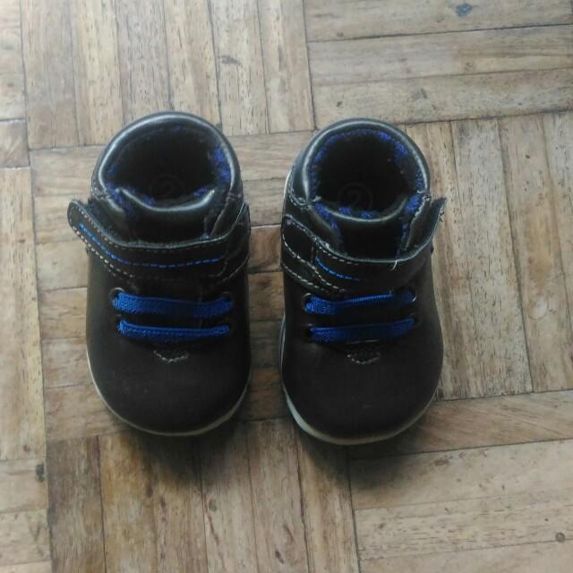 OshKosh x Target Baby Boy Shoes, size 2