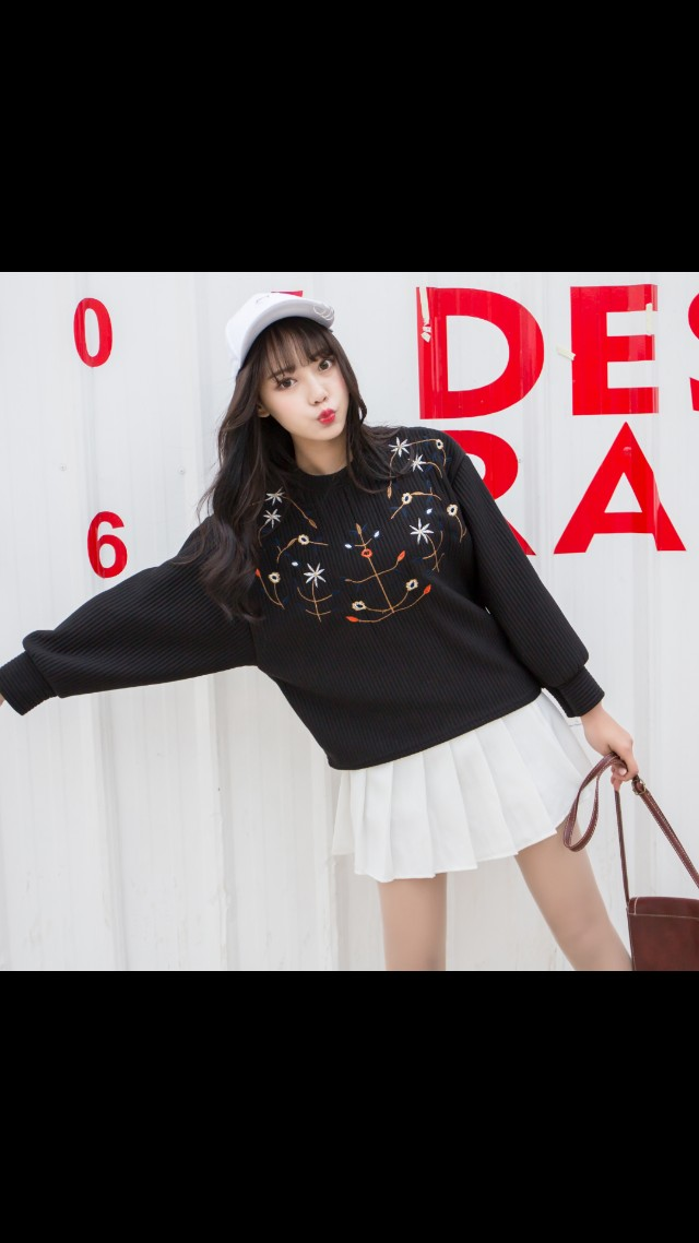 PREORDER Black Ulzzang Embroidery Floral Jumper Sweater