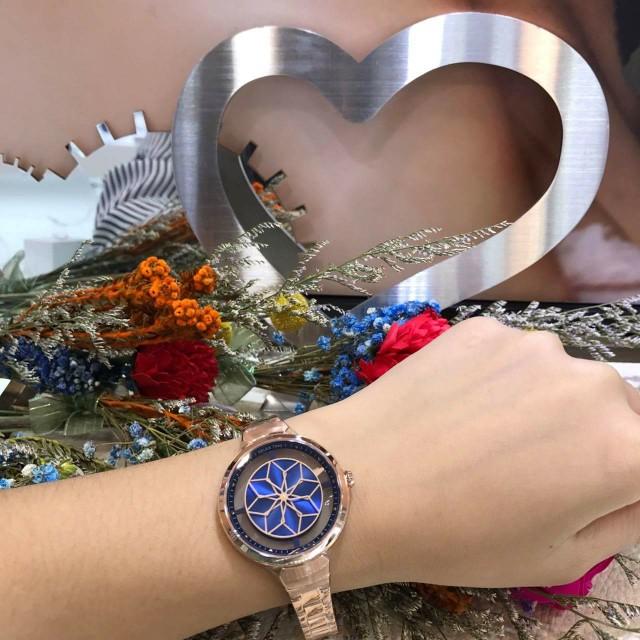 Relax 鏤空女錶 ……會轉動的花朵是秒針