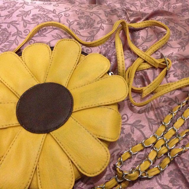 REPRICE!! Sun Flower Sling Bag