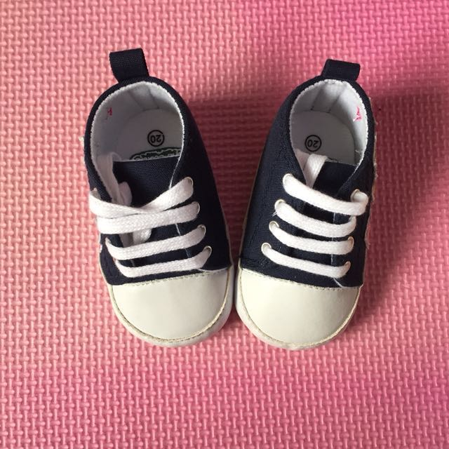 SALE Brand New: Crib Couture Baby Shoes (Size 20)