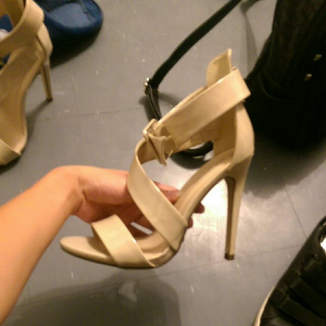 Size 8 Call it spring nude heals