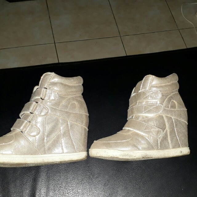 Sneakers size 36