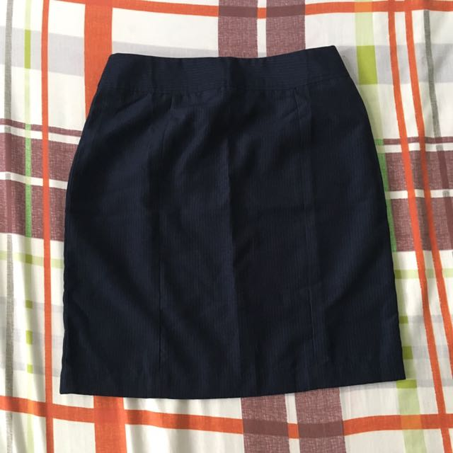 Striped navy blue pencil skirt