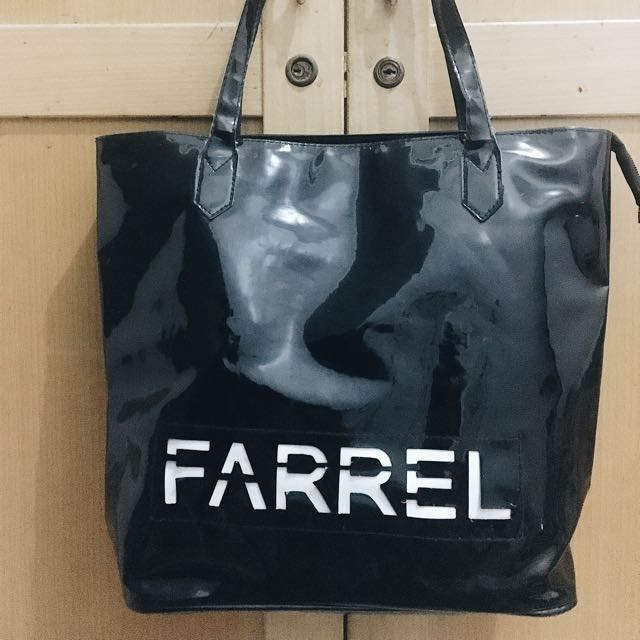 Tas Farrel