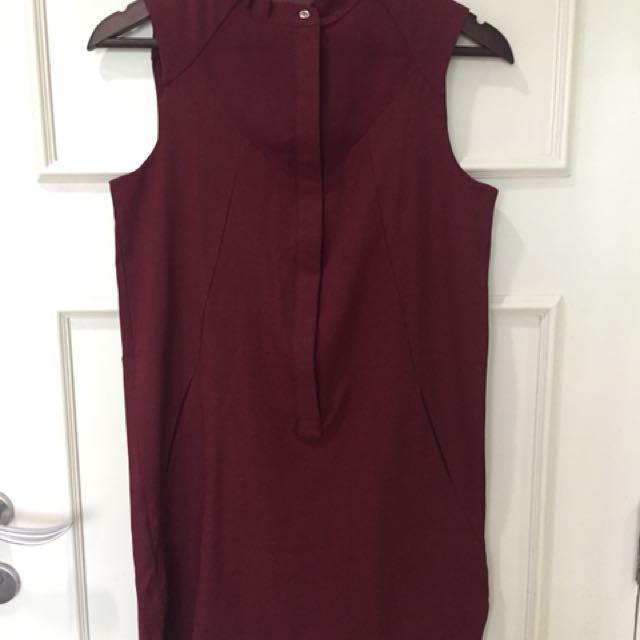 This is April Maroon Dress pocket