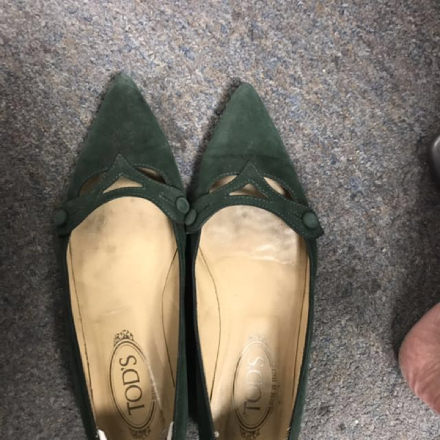 正品Tod's 深綠麂皮尖頭平底鞋#有超取最好買