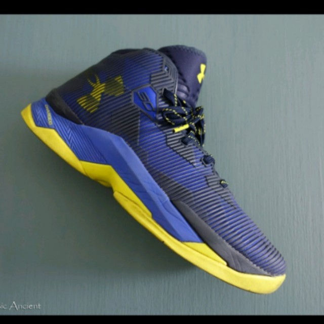 UNDER ARMOUR  curry 2.5代  8成新  us9