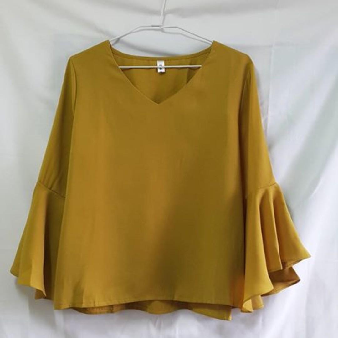 [保留24hr中] 韓版薑黃色水袖V領上衣 全新