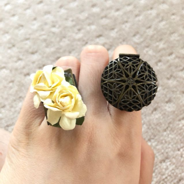 Very pretty vintage rings openable $5 each