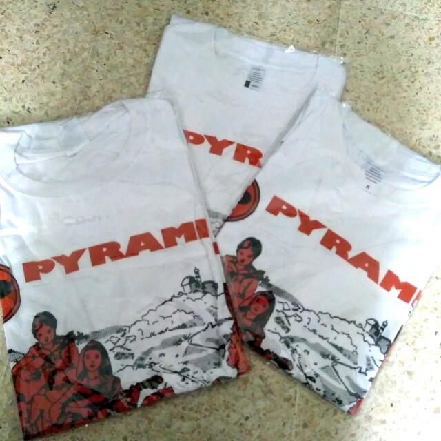 vintage Pyramid Strings T-shirt