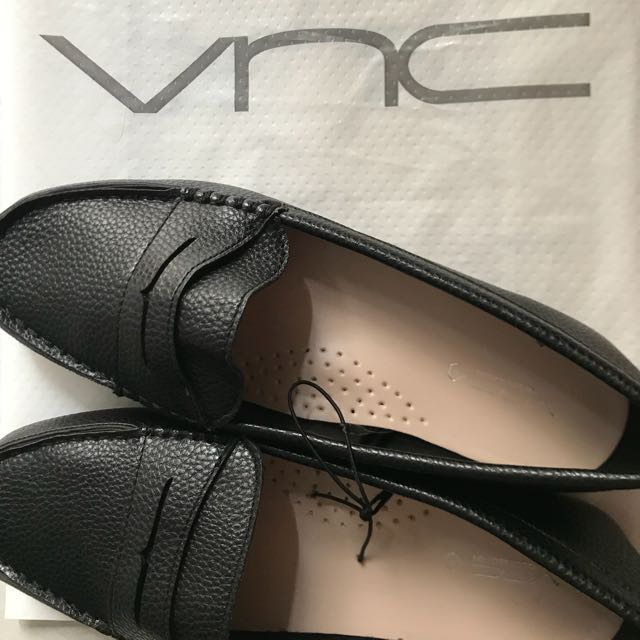 VNC Flat Shoes NEW